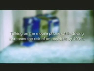 Pub sur le telephone au volant, tres bien fait
